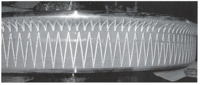 Способ лазерной обработки поверхности катания и гребня железнодорожных колесных пар