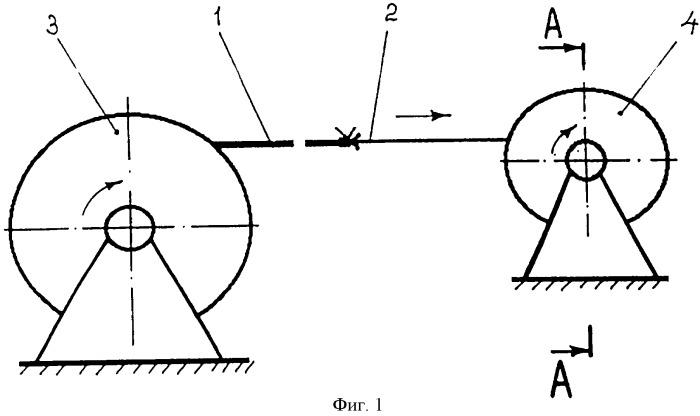 Способ покрытия внутренней поверхности трубопроводов, устройство для покрытия внутренней поверхности трубопроводов, устройство для соединения трубопроводов и способ нанесения клеящего вещества на внутреннюю поверхность заготовки в форме рукава