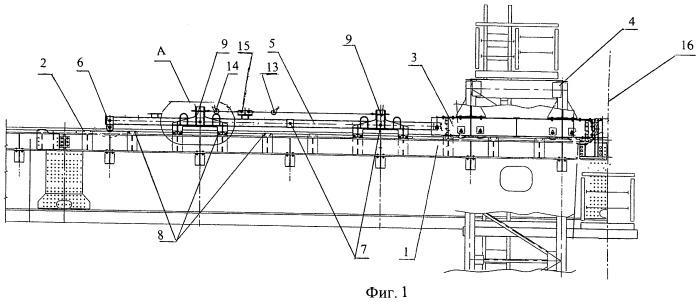 Устройство для перемещения подмостей вдоль монтируемых балок жесткости пролетного строения