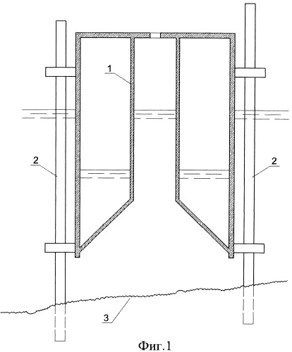 Способ сопряжения плавучего массива, имеющего воронкообразные фундаменты-оболочки, с неподготовленным дном акватории