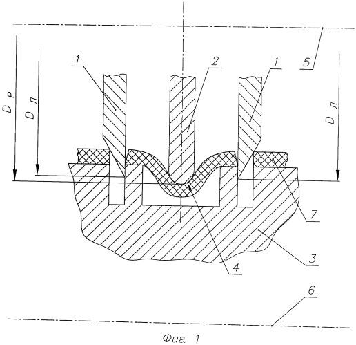 Устройство для одновременного разрезания по двум или нескольким линиям реза покрышки