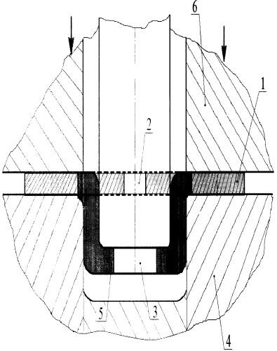 Способ формообразования коробчатых в плане квадратных деталей с отверстием в донной части путем совмещения вытяжки и отбортовки