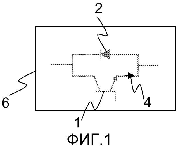 Устройство и способ для прерывания тока в линии передачи или распределения энергии и компоновка ограничения тока