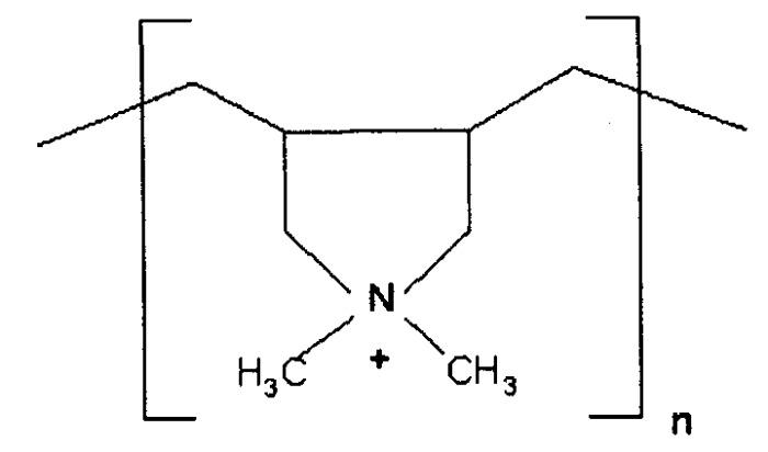 Жидкости для технического обслуживания ствола скважины, содержащие катионные полимеры, и способы их применения