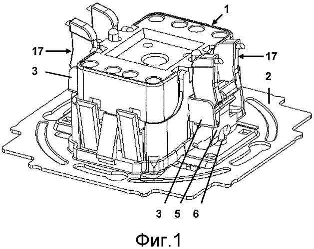Электрическое инсталляционное устройство для скрытой проводки с распорками