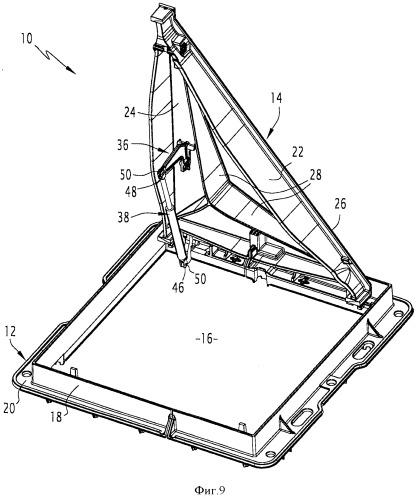 Крепежная скоба дорожного смотрового устройства, соответствующие узел, дорожное смотровое устройство и способ