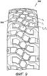 Шина с агрессивной конструкцией протектора, имеющего улучшенные однородность и износостойкость, и способ ее изготовления