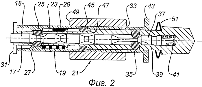 Блокирующее/деблокирующее устройство реверсора тяги, реверсор тяги, содержащий такое устройство, и гондола авиационного двигателя, оснащенная таким реверсором тяги