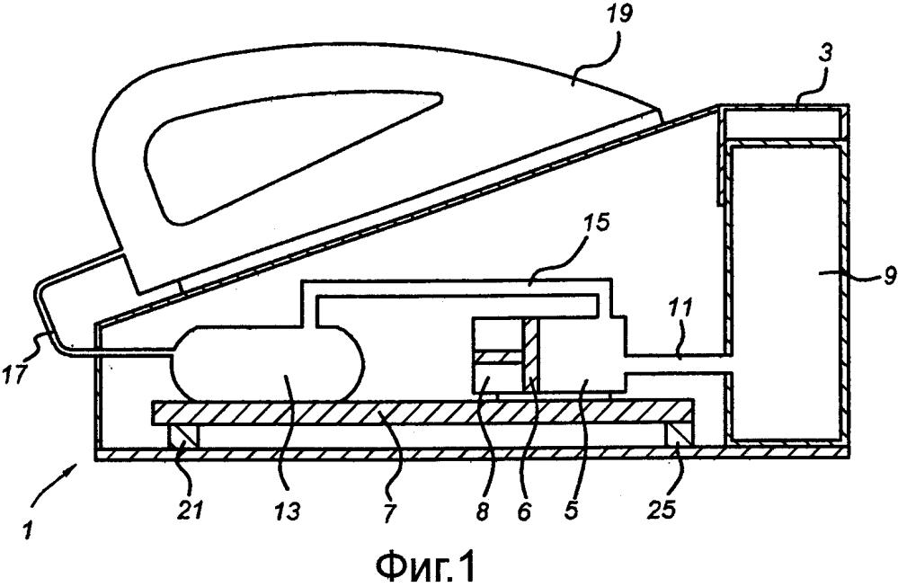 Бытовое электрическое устройство, содержащее исполнительный механизм
