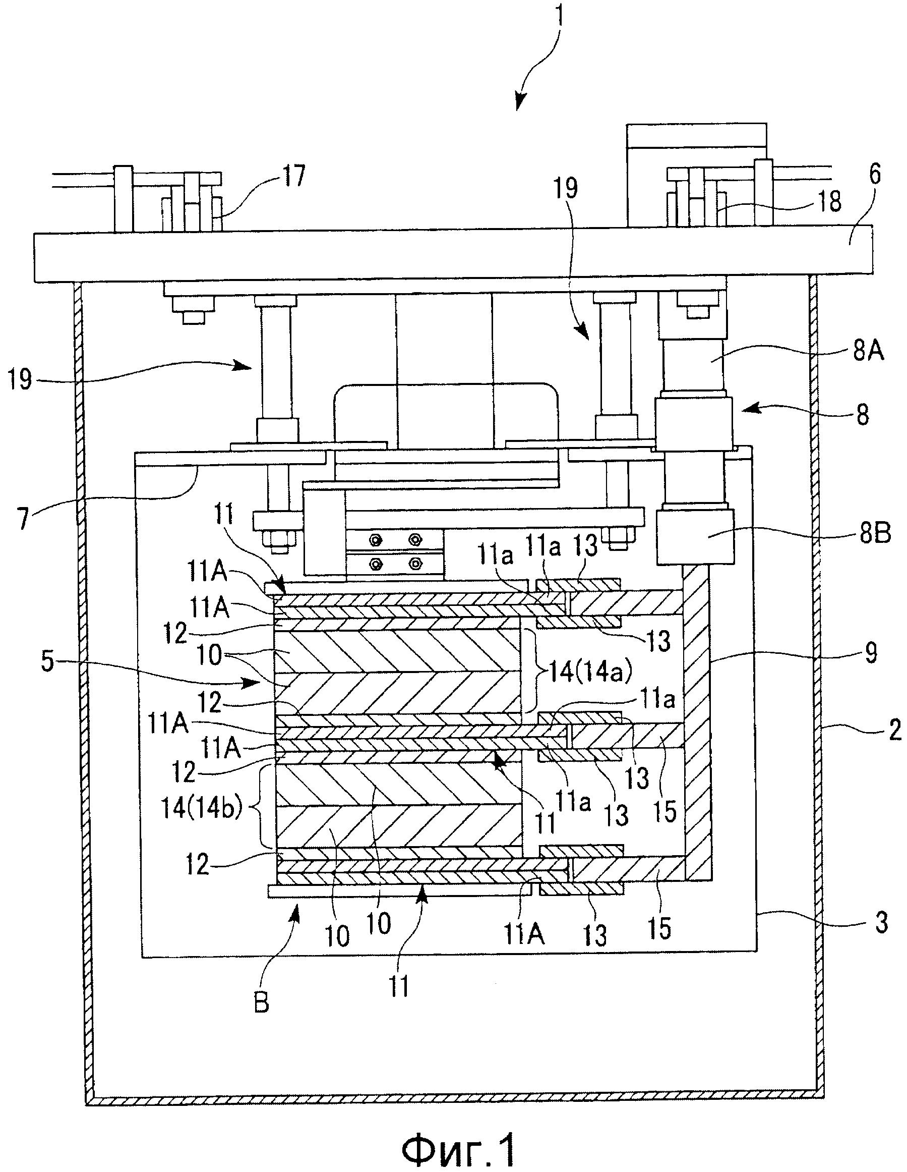 Сверхпроводящая катушка и сверхпроводящее устройство