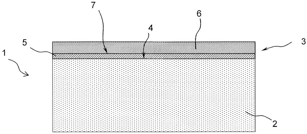 Керамическая плитка для футеровки камер сгорания, в частности газовых турбин, и способ ее производства