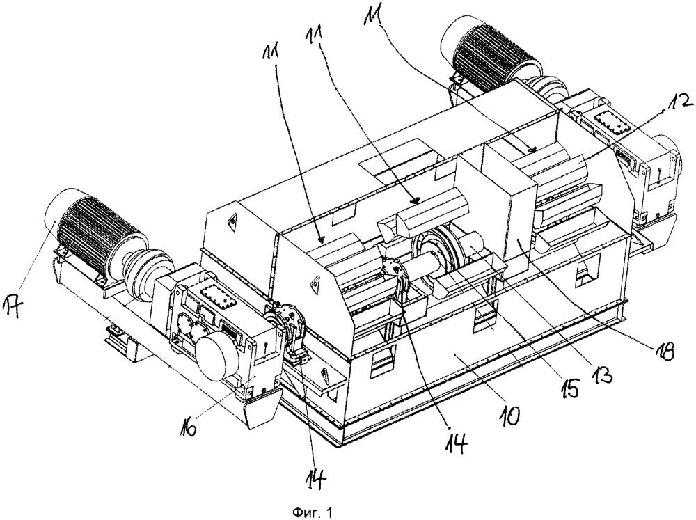 Устройство ковшового транспортера по меньшей мере с тремя раздельно приводимыми в действие линиями ковшового транспортера