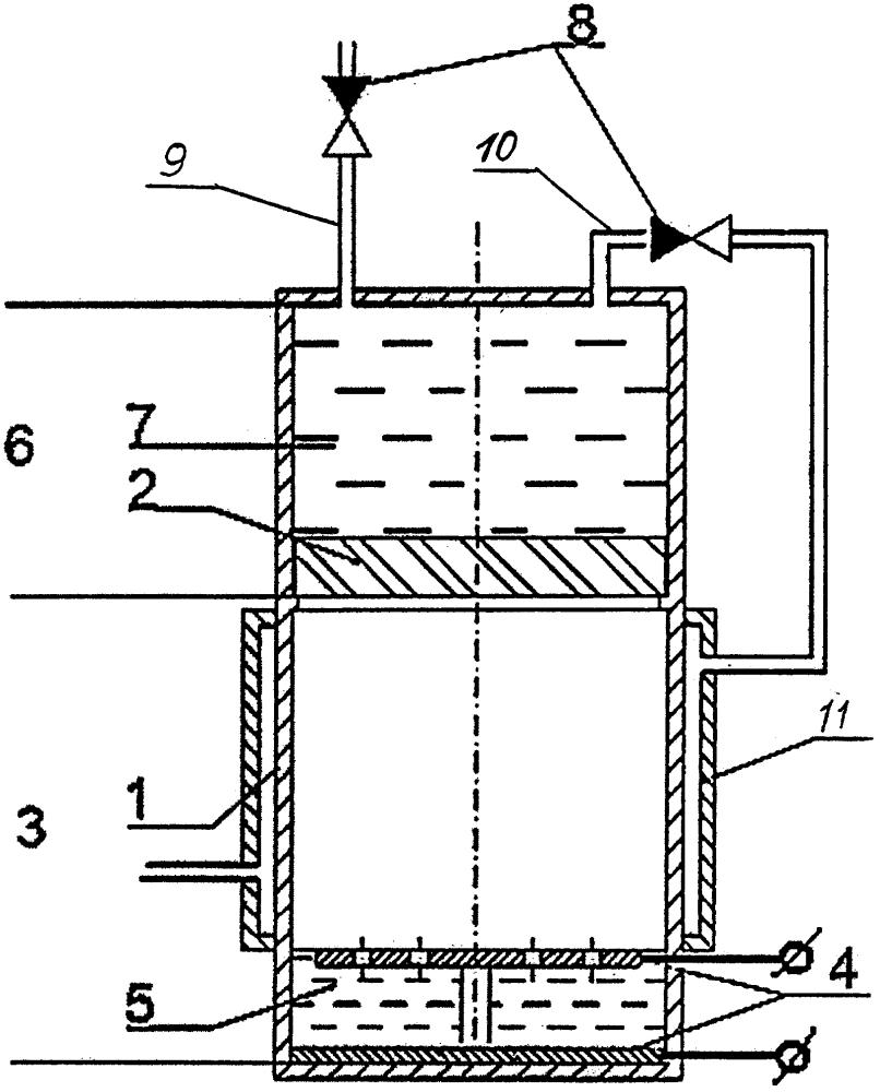 Термосифонный нагреватель с электродным подогревом электролита и интегрированным насосом