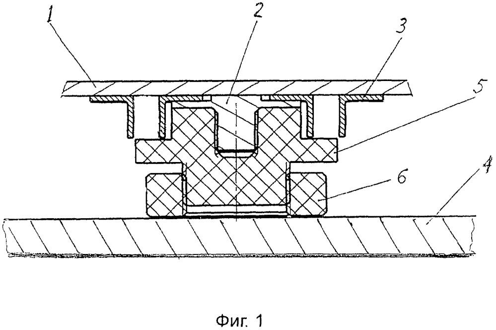 Узел электрического разъединения обогреваемой панели из алюминиевого сплава и стальной палубы судна